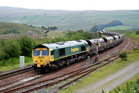 Frieghtliner 66 66557 on coal train at Garsdale S&C.15/08/12