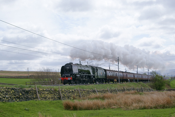 46233 'Duchess of Sutherland' at Shap 22/05/13