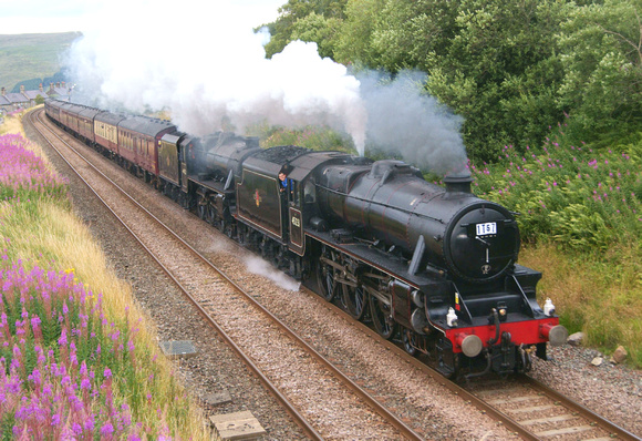 Stanier 'Black 5s' 45231 and 44932[running ar 44781] on the IT57  '15 Guinea Special' southbound near Garsdale. 11/08.13