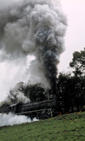 The cool climate makes for good steam effects as the 19D moves westwards from Maclear