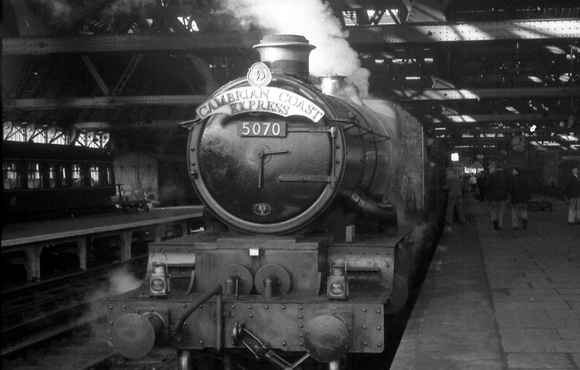 Castle Class 5070 Sir Daniel Gooch at Shrewsbury 1961