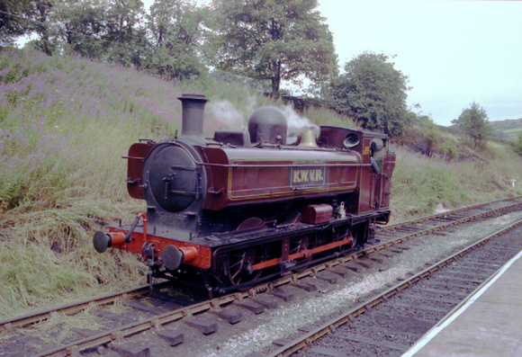 Ex London Transport 57xx pannier L89 on KWVR