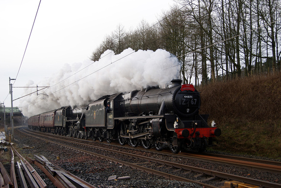 Black 5s 44871 and 45407 on the 'Winter Cumbrian Mountain Express' 28/01/12