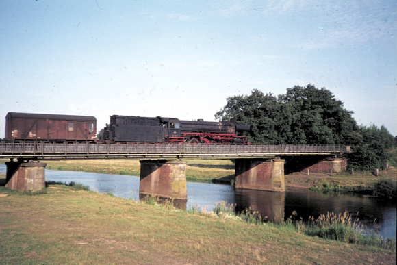 BR 42 crossing the river at Meppen