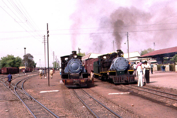A busy scene in Gwalior station - note the immaculate trackwork in the yard